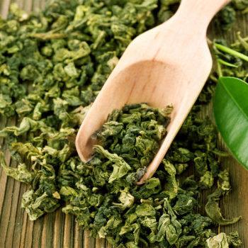Зеленый и черный чай в профилактике и лечении COVID-19